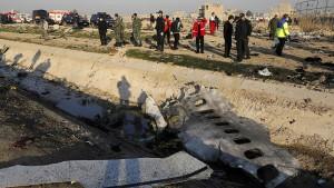 Ukrainisches Flugzeug von zwei Raketen getroffen