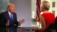 "Megyn Kelly im Gespräch mit Donald Trump in der Sendung ""Megyn Kelly presents""."