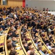 Studenten in einem Hörsaal des Karlsruher Institut für Technologie