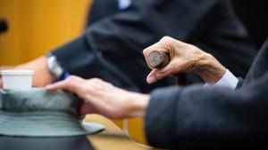 Ehemaliger SS-Wachmann weint vor Gericht
