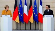Angela Merkel und Emmanuel Macron am Mittwoch in Paris