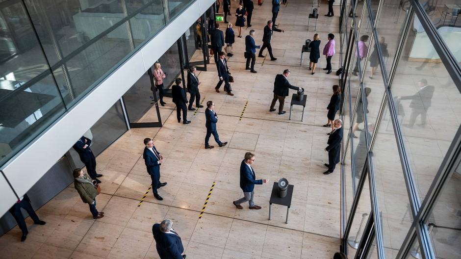 Abstimmung in Zeiten der Infektionsgefahr im Bundestag