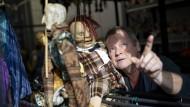Hans-Jochen Menzel bringt die Puppen zum Sprechen. In der DDR sprachen die manchmal aus, was sonst unausgesprochen blieb.