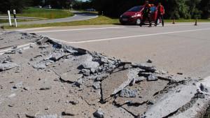 Hitze schädigt Autobahn, Tornadogefahr in Hessen