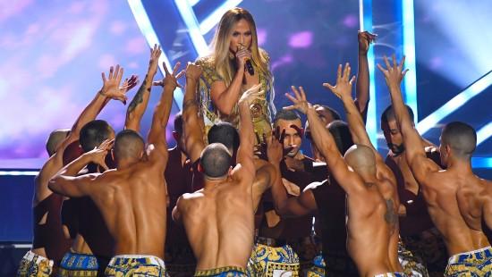 Jennifer Lopez zu Tränen gerührt