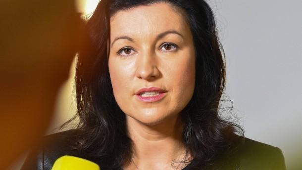 Dorothee Bär will in Ludwig-Erhard-Stiftung bleiben – unter zwei Bedingungen