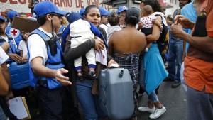 Lang ersehnte Hilfsgüter treffen in Venezuela ein