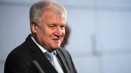Seehofer will Gespräche nicht mit Bedingungen belasten