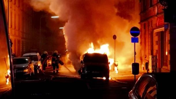 Sechs Wagen bei Autohändler abgebrannt – Brandstiftung vermutet