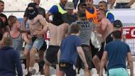 Russische Hooligans beim EM-Spiel Russland gegen England am 11. Juni in Marseille