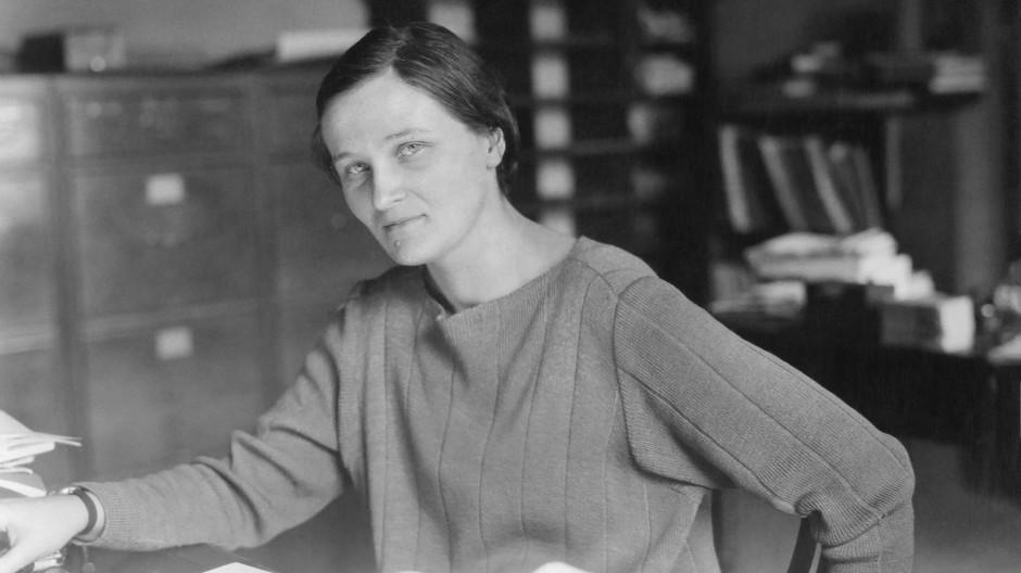 Rastlos auf der Suche nach Erkenntnis: Cecilia Payne-Gaposchkin im Harvard College Observatory.