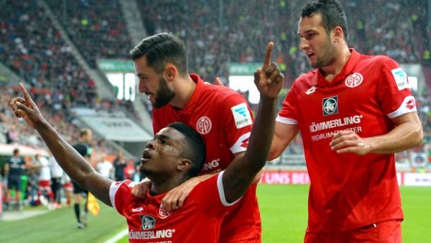 Mainz hat beim Lieblingsgegner leichtes Spiel