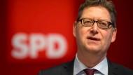 Ich möchte, dass jeder wissen kann, wohin die Reise mit einem Ministerpräsidenten Thorsten Schäfer-Gümbel geht: Chef der Hessen-SPD zu seinem Hessenplan +