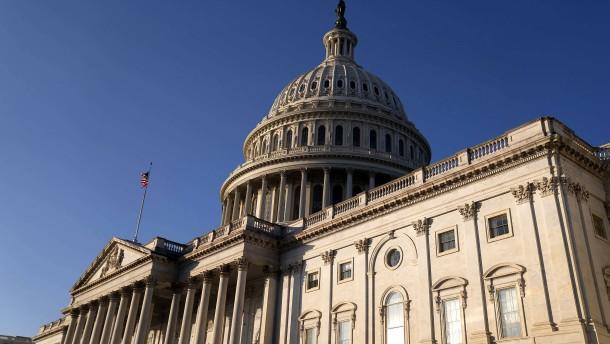 Kongress beschließt Verteidigungshaushalt