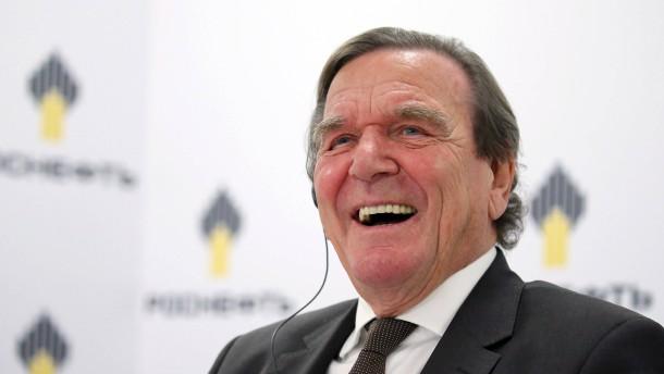 Grüne und CDU kritisieren Schröders Wahl