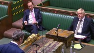 Erster Schlagabtausch im Parlament: Labour-Chef Keir Starmer spricht vor Premierminister Boris Johnson