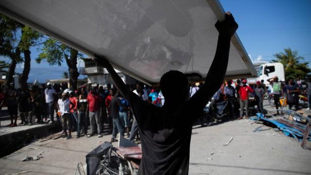 Zahl der Toten in Haiti steigt auf fast 1300