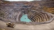 In der Demokratischen Republik Kongo kommt es häufiger zu Unfällen in Minen, die oft ohne professionelle Sicherheitsstandards betrieben werden.