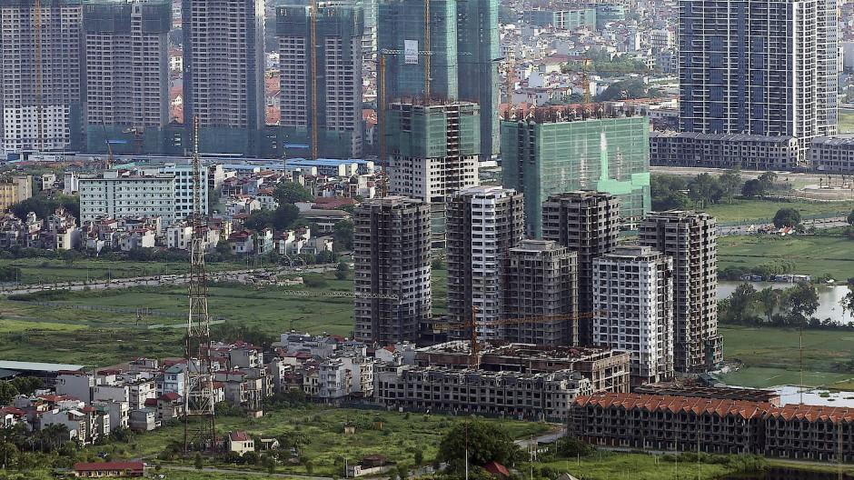 Wächst rasant in die Höhe: In Hanoi entstehen viele Hochhäuser in ehemals ländlichen Arealen. (Archivbild)