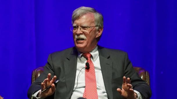 Trump droht Bolton wegen Buchveröffentlichung