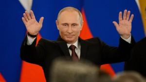 Krim annektiert, Krise verschärft