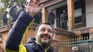 Im Visier: Matteo Salvini besucht in Rom eine beschlagnahmte Villa der Mafia.