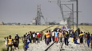 Ausnahmezustand in südafrikanischer Platinmine