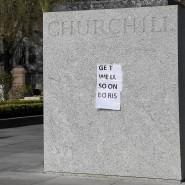 Eine Genesungsnachricht für Premierminister Boris Johnson an einem Churchill-Denkmal im Stadtzentrum von London
