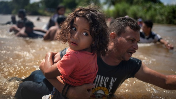 Mexiko lässt Migranten aus Mittelamerika wieder einreisen