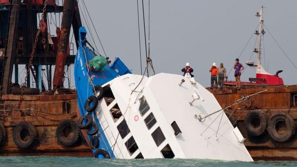 Mehr als 30 Tote bei Schiffsunglück in Hongkong