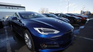 Tesla liefert im ersten Quartal weniger Autos aus