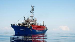 """Deutsches Rettungsschiff """"Lifeline"""" legt in Malta an"""