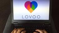 Hat die Datingplattform Lovoo Profile weiblicher Nutzer kurzerhand selbst generiert?