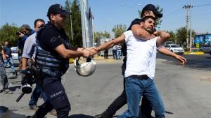 13.000 türkische Polizisten suspendiert