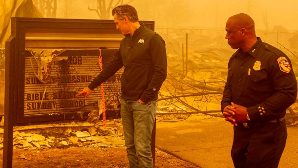 """Waldbrand """"Dixie Fire"""" wütet über Kalifornien"""