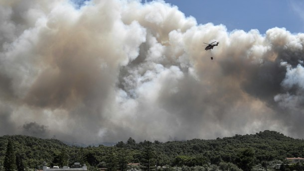 Waldbrand nicht unter Kontrolle