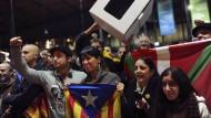Katalanen stimmen für Abspaltung von Spanien