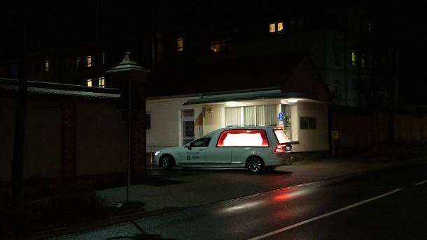 Sonderschichten für die Toten von Zittau