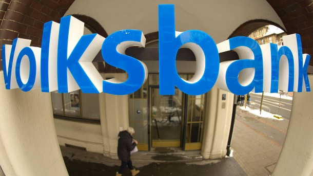 Volksbanken stimmen Kundschaft auf steigende Gebühren ein