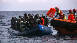 Flüchtlingshilfswerk fordert neue EU-Rettungsmission