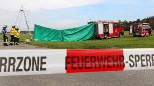 Zwei Fallschirmspringer sterben bei Absturz
