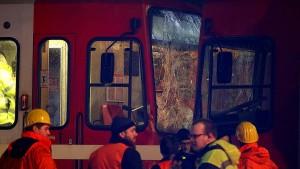 Mehr als 40 Verletzte bei Straßenbahnunfall in Köln