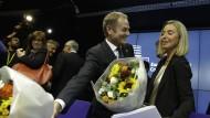 Donald Tusk und Federica Mogherini nach ihrer Ernennung in Brüssel: gemeinsamer Blickwinkel für die EU