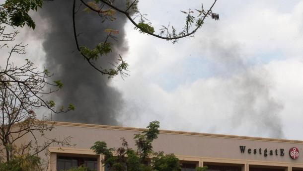Explosionen und Schüsse im besetzten Einkaufszentrum