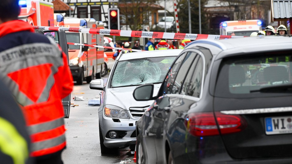 Die Unfallstelle in Volkmarsen mit dem Auto, das im Februar in einen Karnevalsumzug gerast war.