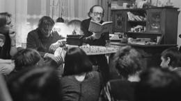 Steht die Einheit der Literatur noch aus?