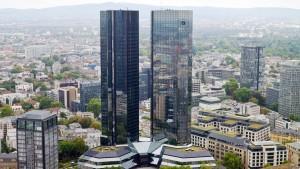 Deutsche Bank spaltet Koalition