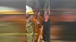 Regentanz der Feuerwehrleute