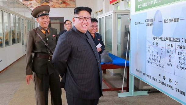 Nordkorea feuert Rakete über Japan