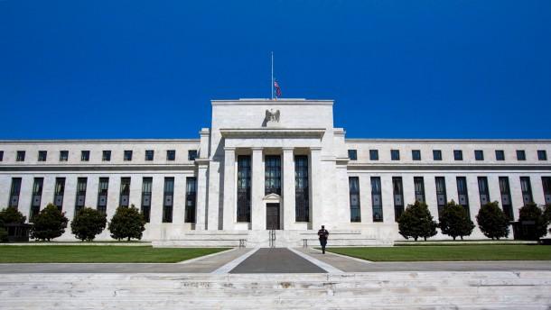Geldpolitik, Hartz IV und Steuerflucht